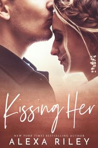 Libro KISSING HER